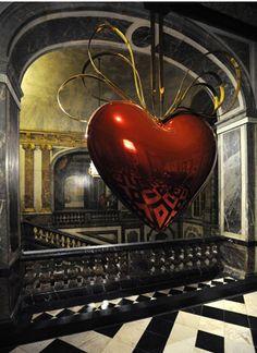 "Jeff Koons' ""Hanging Heart"" At Versailles."