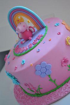 Tortas Peppa Pig, Bolo Da Peppa Pig, Peppa Pig Birthday Cake, Birthday Cake Girls, Peppa Pig Cupcake, Peppa Pig Cakes, 2nd Birthday, Pig Cupcakes, Cupcake Cakes