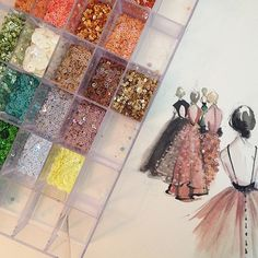 #paperfashion #sequins #fashion #ilustration #watercolor #gold #color #glitter