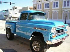 Chevy trucks aficionados are not just after the newer trucks built by Chevrolet. They are also into oldies but goodies trucks that have been magnificently preserved for long years. Gm Trucks, Lifted Trucks, Cool Trucks, Cool Cars, Defender 90, Hot Rods, Mustang, Chevy Apache, Classic Pickup Trucks