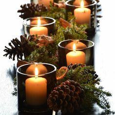 Deco Table, A Table, Candle Arrangements, Seasonal Decor, Holiday Decor, Christmas Inspiration, Xmas Decorations, Holiday Parties, Pillar Candles