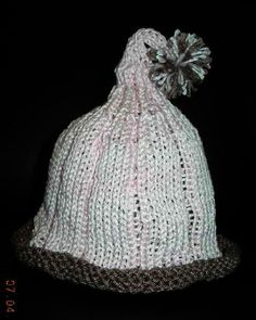 Baby Pixie Hat: #knit #knitting #free #pattern #freepattern #freeknittingpattern #knittingpattern #babypixiehatpattern