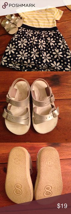 Sea Wees Saltwater Sandals Adorable EUC toddler girls saltwater sandals. These silver beauties go with everything and can get wet!! Perfect for splash parks and beaches!☀️ sun san Shoes Sandals & Flip Flops