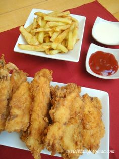 Stripsy KFC  Składniki: podwójna pierś z kurczaka (50 dag) 1/4 łyżeczki soli 1/2 łyżeczki pieprzu cayenne szczypta słodkiej papryki Gęste ci...