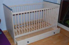 Kinderbett aus Echtholz mit Bettkasten 120x70x160 gebraucht in einem guten Zustand dazu ,,neue'' Matratze.