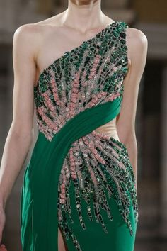 Tony Ward at Couture Spring 2019 Couture Details, Fashion Details, Fashion Design, Couture Dresses, Fashion Dresses, Runway Fashion, Fashion Show, Lesage, Tony Ward