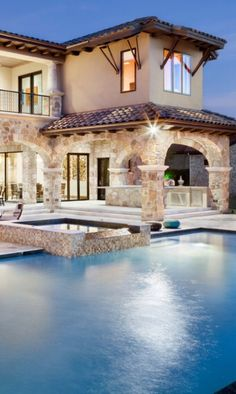If you are having difficulty making a decision about a home decorating theme, tuscan style is a great home decorating idea. Many homeowners are attracted to the tuscan style because it combines sub… Future House, My House, Luxury Pools, Dream Pools, Mediterranean Homes, Spanish Style, Spanish House, Spanish Pool, Cool Pools