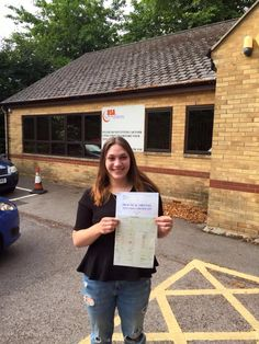 Congratulations and well done to Alice Spirandelli for passing her #driving #test on first attempt! #drivinglicense #oxford #uk