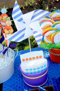 Phineas & Ferb fun party ideas with magnifying glasses, centerpieces of Phineas & Ferb tin buckets, colorful lanterns backdrop, jumbo rainbow lollipops & more. Boy Birthday Parties, 7th Birthday, Birthday Ideas, Phineas E Ferb, Rainbow Lollipops, Small Centerpieces, How To Make Banners, Party Ideas, Party Party