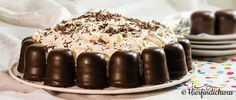 Eine klassische Kindergeburtstagstorte ist die Schokokuss-Torte. Sie ist einfach und schnell zubereitet, somit ist noch genuegend Zeit fuer andere Rezepte.