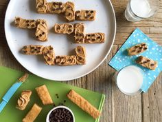 Whichever it may be for you, claim victory with this quick snack for French Toast Dominoes. Dominos Recipe, Grilled Cheese Sticks, Carrot Slaw, French Toast Sticks, Cinnamon French Toast, American Cheese, Breakfast Bake, Quick Snacks, Mini Chocolate Chips