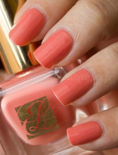 estee lauder coral cult, my favorite color! Coral Nail Polish, Coral Nails, Toe Nail Art, Toe Nails, Beauty Secrets, Beauty Tricks, Estee Lauder, All Things Beauty, Beauty Nails