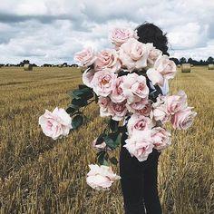 """Mi piace"": 17 mila, commenti: 65 - Clo (@c__l__o) su Instagram: ""By @ruby_marylennox August 2016 🌸"""