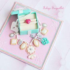 Sugar Art Jewelry Box 60 Birthday, Sugar Art, Love Cake, Decorated Cookies, Cookie Decorating, Cake Ideas, Jewelry Art, Tokyo, Centerpieces