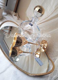 Σετ γάμου χρυσό,Σετ γάμου δίσκος καθρέπτης ΝΕΑ ΣΧΕΔΙΑ 2019 2105157506 #γαμος #wedding #stefana#χειροποιητα_στεφανα_γαμου#weddingcrowns#handmade #weddingaccessories #madeingreece#handmadeingreece#greekdesigners#stefana#setgamou#στέφαναγάμου #σετγαμου #σετκουμπαρου#valentinachristina Wedding Sets, Wine Decanter, Wedding Invitations, Notes, Report Cards, Wine Carafe, Wedding Invitation Cards, Notebook, Wedding Invitation