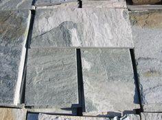 Spaccatello in quarzite grigio/verde dimensioni cm. 15x31, per rivestimenti esterni, prezzo al mq. outlet fino ad esaurimento scorte -70%