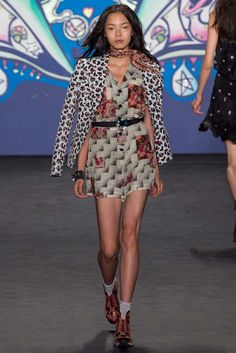 Anna Sui Spring 2015 Ready-to-Wear - Collection - Gallery - Style.com  http://www.style.com/slideshows/fashion-shows/spring-2015-ready-to-wear/anna-sui/collection/11