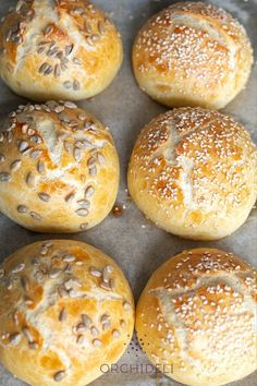 Bakers Gonna Bake, Calzone, Bread Baking, Bon Appetit, Bagel, Food And Drink, Rolls, Cooking, Recipes