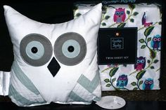2 pillowcases owl pillow. 5-pc FULL BED SET set includes :flat sheet fitted sheet.