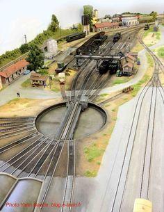 All About Standard Gauge Toy Trains Miniature Auto, Train Miniature, N Scale Model Trains, Scale Models, Train Ho, Escala Ho, Ho Train Layouts, Model Railway Track Plans, Ho Trains