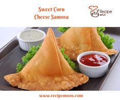 Samosa recipe - Learn how to make crispy Punjabi samosa at home. A popular deep-fried snack made with spiced potato filling. Plain Naan, Indian Food Recipes, Ethnic Recipes, Indian Foods, African Recipes, Indian Dishes, Palak Chicken, Tandoori Roti