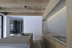 Breathtaking architecture by Vincent Van Duysen Cheap Kitchen Countertops, Granite Kitchen, Buy Kitchen, Kitchen Sink, Kitchen Dining, Kitchen Cabinets, Dining Room, Interior Design Magazine, Before After Kitchen