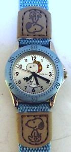Peanuts SNOOPY FLYING ACE FINE WRIST WATCH w/ Tag - Unused & Running   K
