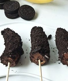 chocolate covered bananas encrusted with oreos
