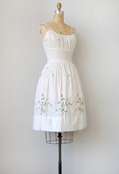 56aaff2511c Perfect for an informal elope wedding - vintage dress   vintage dress    vintage white floral sundress