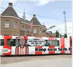 Tram voor het Kasteel