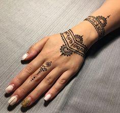 The Best Woman Tattoos - Henna Flower Designs, Henna Tattoo Designs Simple, Beautiful Henna Designs, Mehndi Designs For Hands, Cute Henna Designs, Tattoo Simple, Henna Tattoos, Henna Tattoo Hand, Wolf Tattoos