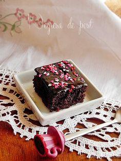 Negresa de post Vegan Desserts, Tiramisu, Deserts, Cake, Ethnic Recipes, Gem, Food, Vegans, Yum Yum
