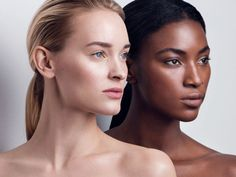 We love the Kjaer Weis organic foundation in a beautiful compact. A semi-matte, flawless finish, made with organic skincare ingredients to nourish the skin. Beauty Shoot, Hair Beauty, Beauty Makeup, Beauty Photography, Fashion Photography, Shooting Studio, Foto Art, Photo Makeup, Mannequins