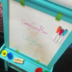 shares our newest Deluxe Easel color at the ABC Kids Show.
