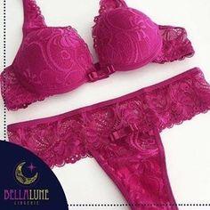 A Bella Lune Lingerie tem vários conjuntos lindos! Nós amamos esse todo em renda, o Madri! 😍  Elas têm condições especiais para chá de lingerie, confiram:  www.guiaqcqd.com/bellalunelingerie    #lingerie #conjuntolingerie #chadelingerie