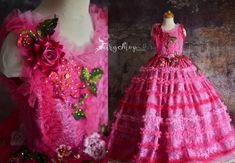 Stunning Dresses, Nice Dresses, Girls Dresses, Flower Girl Dresses Teal, Disney Princess Costumes, Rustic Flower Girls, Fairytale Dress, Floral Gown, Cinderella Dresses