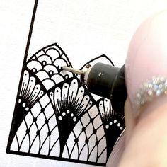 Doodle Art Drawing, Zentangle Drawings, Mandala Drawing, Pencil Art Drawings, Art Drawings Sketches, Zentangle Patterns, How To Zentangle, Mandala Doodle, Zentangles