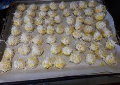 Sajtos pogi ami napokig puha recept foto Baked Goods, Dairy, Cheese, Baking, Vegetables, Food, Bread Making, Meal, Patisserie