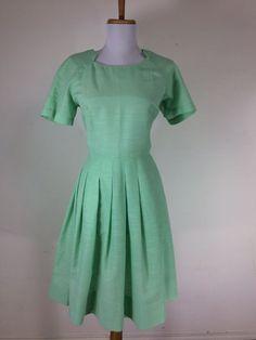 Vintage 1950s Dress Mint Green Shantung Silk Size Medium Day Tea Party #DayDress