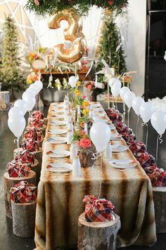 Love this chic woodland birthday party!