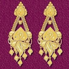 Teenage younger ladies from many countries have even invented a significant subculture for earring jewelry collecting. Antique Jewellery Designs, Gold Earrings Designs, Gold Jewellery Design, Gold Jewelry, Gold Necklace, Indian Jewelry Sets, Gold Work, Gold Fashion, Samantha Images