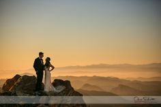 Malibu Rocky Oaks Wedding   Brooke + Max by Andrea Schmitt Malibu Rocky Oaks is one of those properties that one comes to and thinks, 'damn Iwish I couldlive here!'. Luckily for some, they can at least get married here. Brooke and Max live in Colorado and had a lot of destination options, but they …