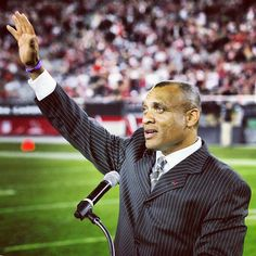 Former CB #AeneasWilliams, shown here at his @azcardinals Ring of Honor ceremony, is one of 27 semifinalists being considered for the @profootballhof Class of 2013. Former head coach #DonCoryell made the list as well. #ArizonaCardinals #AZCards #Arizona #Cardinals #AZCardinals #NFL #STL @nfl #AZLottery #PhotoOfTheDay @slingshotphoto