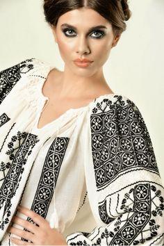Pin on Romanian Blouse - Ia Ethnic Fashion, Fashion Art, Boho Fashion, Womens Fashion, Folk Costume, Costumes, Art Costume, Nicole Fashion, Folk Clothing