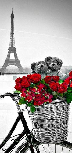 Paris in Red - Romantic Paris by Assaf Frank Romantic Paris, Beautiful Paris, I Love Paris, Simply Beautiful, Paris Torre Eiffel, Paris Eiffel Tower, Color Splash, Color Pop, Red Color