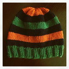"""Verde-Arancione-Blu. Pura lana vergine """"Lana Gatto - Nuovo Irlanda"""". Ferri circolari da 6. Costa 2/2. Maglia rasata."""