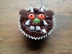 Gruffalo cupcake recipe. Easy to make Gruffalo cupcakes with step-by-step decorating guide.