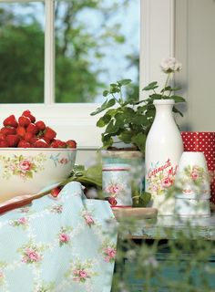 White geranium and bowl of strawberries (1) From: My Home Style, please visit