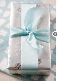 gift wrapping: silver and blue is oh-so-pretty