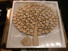 This beautiful tree with birds and hearts makes a unique alternative to wedding guest books. There are 80 4cm hearts and 20 3cm hearts around the